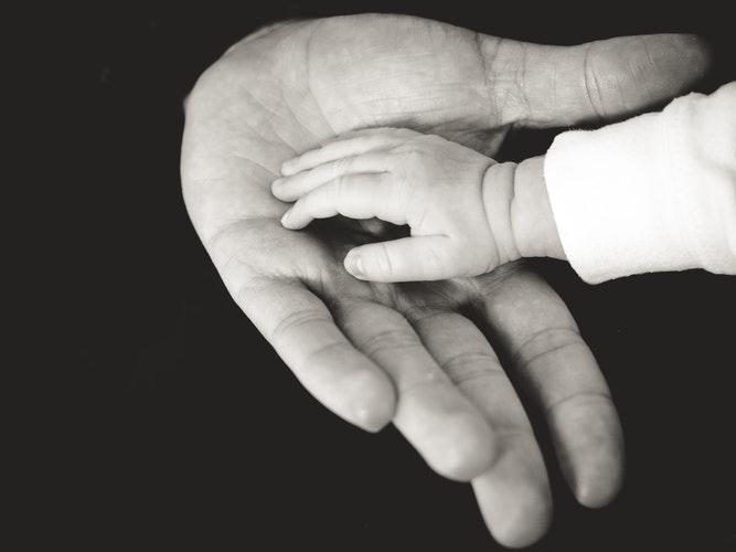 Relação mãe-filha: quem cuida de quem?