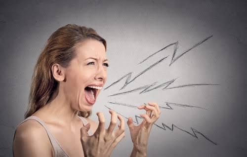 OEFT: Frustração nas relações e impedimentos  internos de se posicionar.