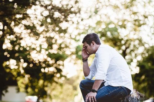 Um caso de ansiedade que evolui para ânsia na garganta: como trabalhar?